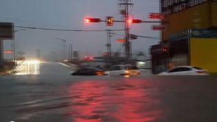 La Corée du Sud est frappée par le typhon Mitag. Les dégâts sont considérables et le bilan humain fait déjà état de neuf morts. (France 2)