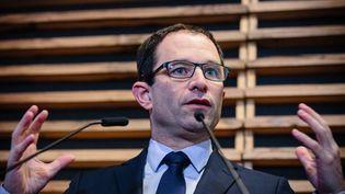Les arguments de Benoît Hamon pour défendre son revenu universel sont-ils justifiés par des faits ? (MAXPPP)