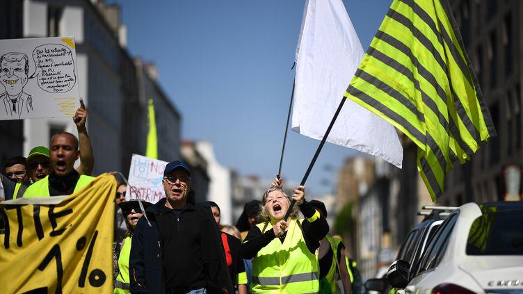 """Des """"gilets jaunes"""" à Saint-Denis (Seine-Saint-Denis), samedi 20 avril 2019. (ANNE-CHRISTINE POUJOULAT / AFP)"""