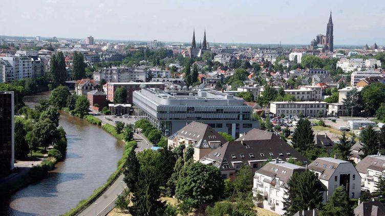 (Les sept hommes ont grandi ensemble dans le quartier de la Meinau à Strasbourg © MaxPPP)