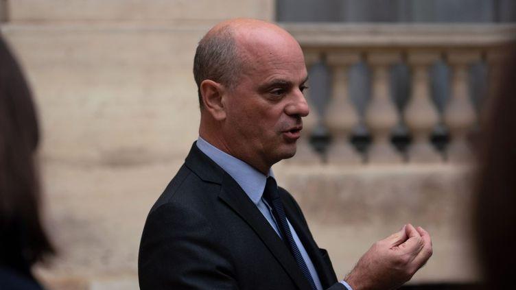 Le ministre de l'Education nationale, Jean-Michel Blanquer, s'adresse à des journalistes, le 17 octobre 2020, à Paris. (ABDULMONAM EASSA / AFP)