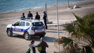 Contrôle de police à Marseille le 19 mars 2020 (illustration) (GERARD JULIEN / AFP)