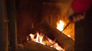 Bientôt l'hiver et les longues soirées au coin du feu...Pensez au ramonage des cheminées (MAXPPP)