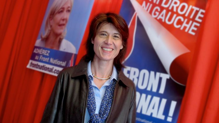 La candidate FN à Tarascon (Bouches-du-Rhône), Valérie Laupies, dans sa permanence, le 18 février 2014. (BASTIEN HUGUES / FRANCETV INFO)