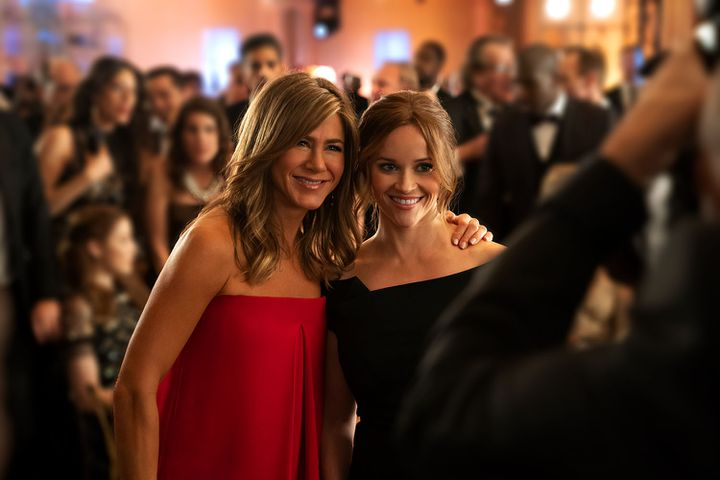 """Jennifer Aniston et Reese Witherspoon dans la série """"The Morning Show"""". (APPLETV+)"""