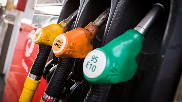 Pompe à essence Total, à Vesoul, en région Bourgogne-Franche-Comté. (JEAN-FRANÇOIS FERNANDEZ / FRANCE-BLEU BESANÇON)
