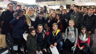 Classe de 6e du Collège H. Langlois, Pont de l'Arche au Salon de Montreuil  (Laurence Houot - Culturebox)