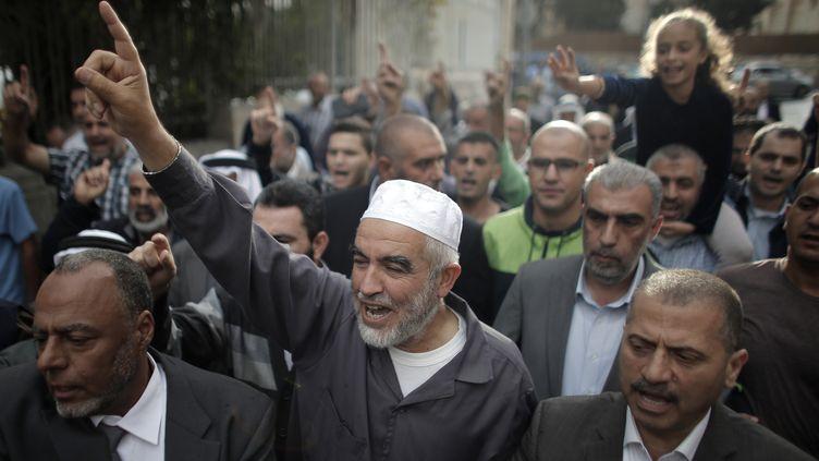 """Le Palestinien Cheikh Raëd Salah,chef du """"Mouvement islamique - branche nord"""", le 27 octobre 2015. (AHMAD GHARABLI / AFP)"""
