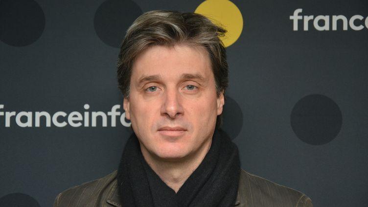 """Nicolas Vescovacci, co-auteur du livre """"Vincent tout-puissant"""". (JEAN-CHRISTOPHE BOURDILLAT / RADIO FRANCE)"""