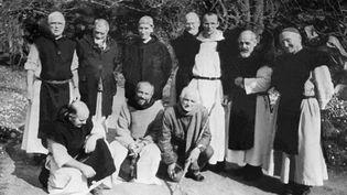 Photo non datée de six des sept moines de Tibéhirine,enlevés en mars 1996 dans leur monastère de Notre-Dame de l'Atlas, à 80 km au sud d'Alger. (AFP)