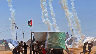 A la frontière entre la bande de Gaza et Israël, à l'est de la ville de Jabaliya, le 14 mai 2018. (MOHAMMED ABED / AFP)