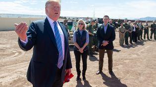 Donald Trump à Calexico, en Californie, à la frontière entre les Etats-Unis et le Mexique, vendredi 5 avril 2019. (SAUL LOEB / AFP)