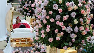 Aretha Franklin dans son cercueil, à Detroit. (PAUL SANCYA / POOL)