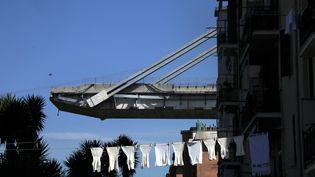 Le pont Morandi, en plein Gênes, s'est en partie écroulé le 14 septembre 2018. (FRANZ CHAVAROCHE / MAXPPP)