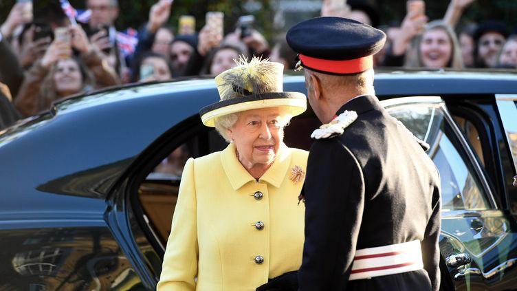 La reine du Royaume-Uni, Elizabeth II, à Londres, le 1er décembre 2016. (STUART C. WILSON / REUTERS)