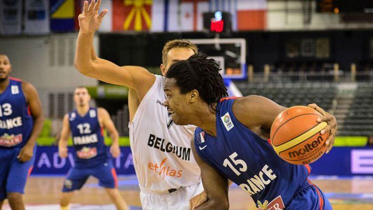 Mickaël Gelabale (France) face à Axel Hervelle (Belgique)
