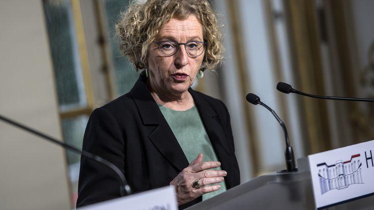 La ministre du Travail, Muriel Pénicaud, le 26 février 2019 à Matignon, lors d'une conférence de presse conjointe avec le Premier ministre, Edouard Philippe, sur la réforme de l'assurance chômage. (CHRISTOPHE ARCHAMBAULT / AFP)