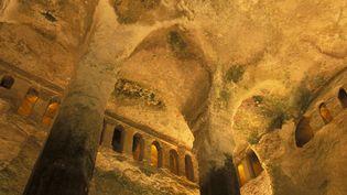 L'église monolithe d'Aubeterre, en Charente. (MICHEL GARNIER / GAMMA-RAPHO)