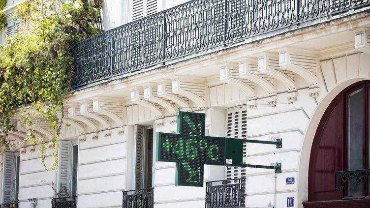 Un thermomètre à Paris affiche 46 °C le 25 juillet 2019. (MAXPPP)