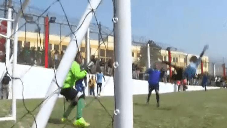 Football : au Pérou, un mondial entre prisonniers (FRANCEINFO)