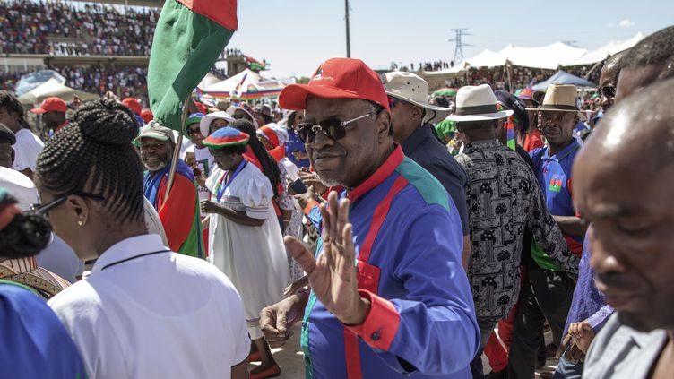 Le président sortant Hage Geingob (C), 78 ans, lors d'un meeting dans la capitale Windhoek, le 23 novembre 2019 (GIANLUIGI GUERCIA / AFP)