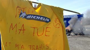 L'entrée de l'usine Michelin de La Roche-sur-Yon, au lendemain de l'annonce aux salariés de la fermeture de l'usine Michelin de La Roche-sur-Yon fin 2020. (MARC BERTRAND / RADIO FRANCE)