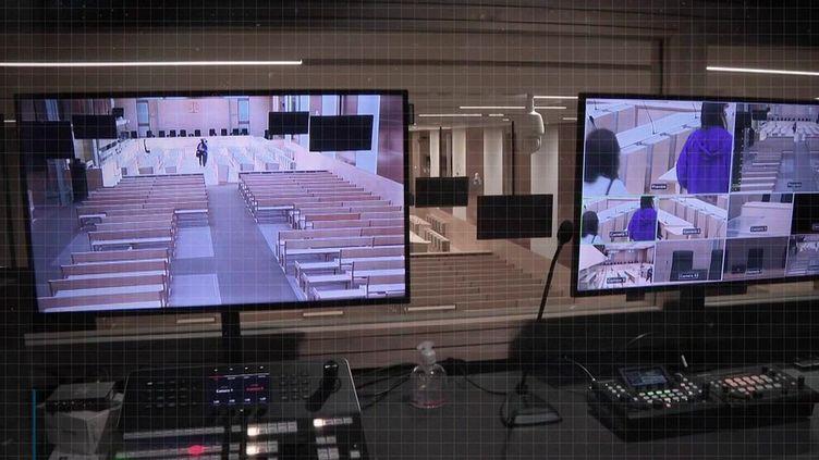 Pour les parties civiles qui ne peuvent pas ou ne souhaitent pas être sur place, une webradio diffuse toutes les audiences du procès des attentats du 13-Novembre. (CAPTURE ECRAN FRANCE 3)