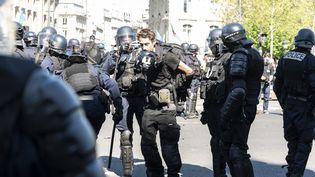 """Le journaliste indépendant Gaspard Glanz arrêté par la police le 20 avril 2019 à Paris, lors de la 23e journée d'action des """"gilets jaunes"""". (SAMUEL BOIVIN / NURPHOTO / AFP)"""
