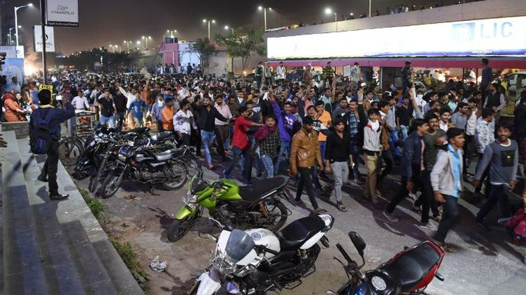 Emeute contre un film de Bollywood à Ahmedabad, en Inde  (SAM PANTHAKY / AFP)