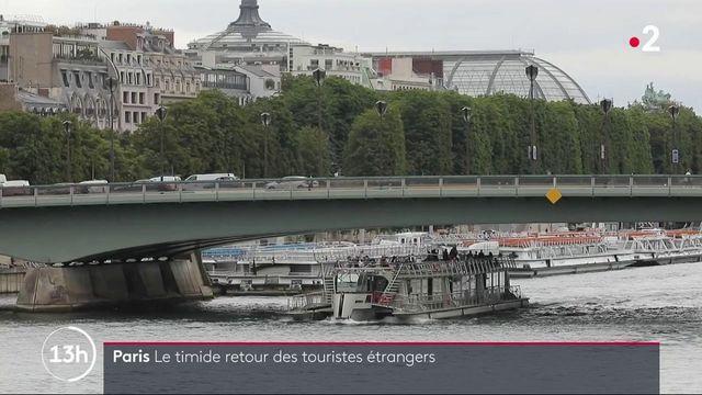 Paris : les touristes étrangers font timidement leur retour