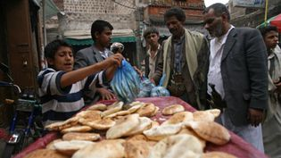 Une échoppe de nourriture à Sanaa, le 28 mai 2011 (AFP)