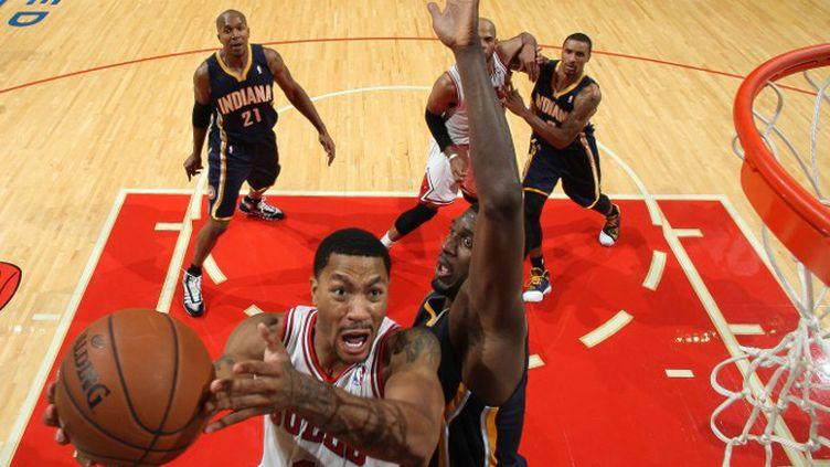 Derrick Rose a fait son retour sur les parquets NBA (GARY DINEEN / NBAE / GETTY IMAGES)
