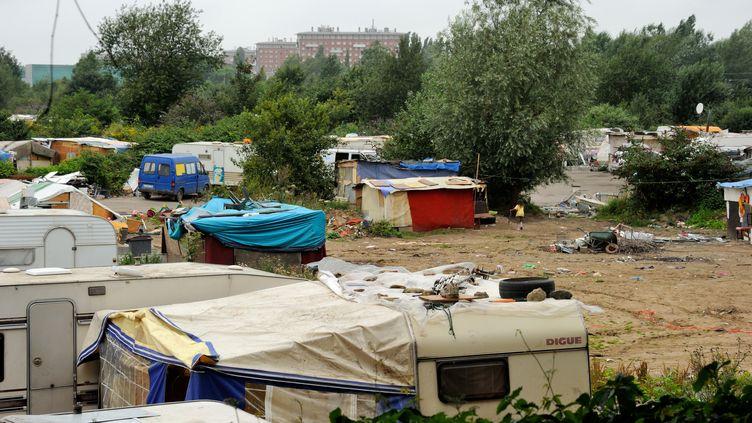 Un camp de Roms à Lille (Nord), le 8 août 2012. (PHILIPPE HUGUEN / AFP)