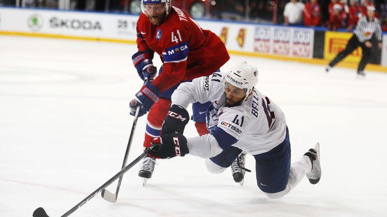 Pierre-Edouard Bellemare (en blanc) face à la Norvège (THOMAS SAMSON / AFP)