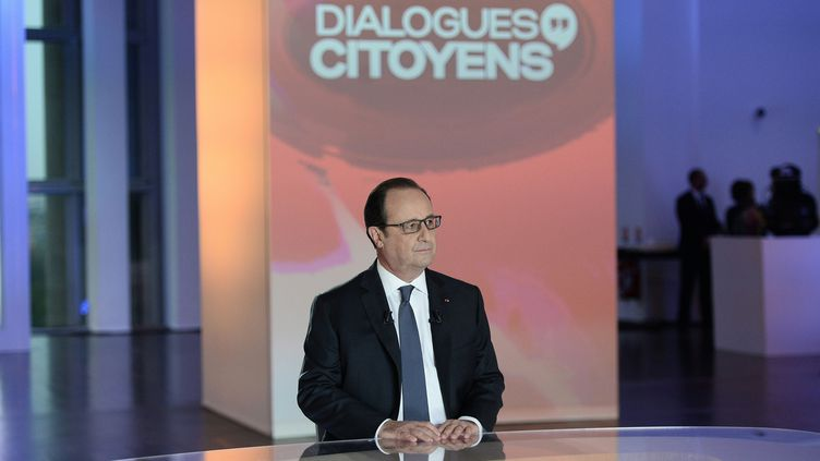 François Hollande sur le plateau de France 2, au musée de l'Homme à Paris, le 14 avril 2016. (REUTERS)