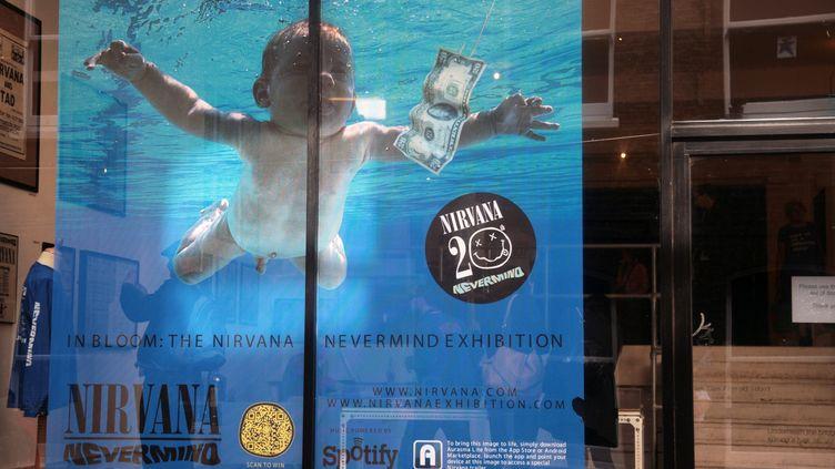 """Exposition sur le groupe Nirvana pour les 20 ans de la sortie de l'album """"Nevermind"""" à Londres, le 18 septembre 2011. (NATHALIE BAUER / MAXPPP)"""