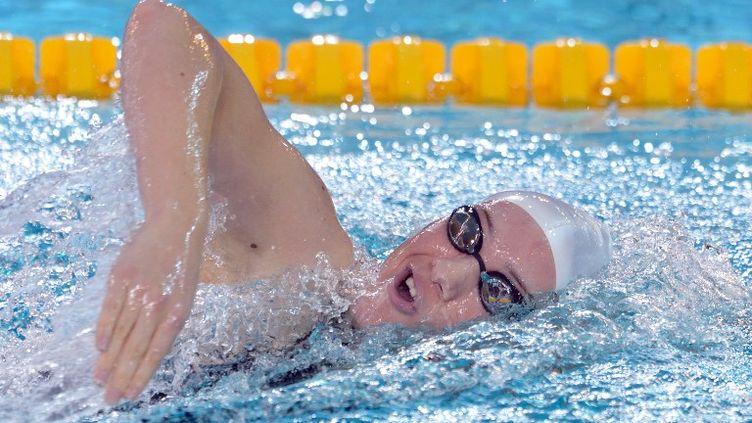 Camillle Muffat lors des séries du 100m nage libre aux Championnats d'Europe de natation en petit bassin, le 24 novembre 2012 àChartres (Eure-et-Loir). (ERIC FEFERBERG / AFP)