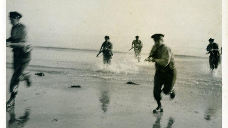 Parmi les 75000 Britanniques et Canadiens et les 58 000 Américains qui débarquèrent en Normandie, le 6 juin 1944, 177 étaient Français : les membres du commando Kieffer. (KILAOHM PRODUCTION)