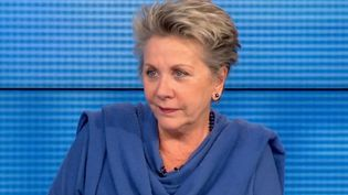 À l'occasion de la journée nationale des aidants, vendredi 6 octobre, le Soir 3 reçoit Françoise Laborde, qui a aidé sa mère, atteinte de la maladie d'Alzheimer. (FRANCE 3)