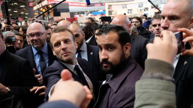 Alexandre Benallaet Emmanuel Macron, au salon de l'agriculture, en février 2018. (NATHANAËL CHARBONNIER / FRANCE-INFO)