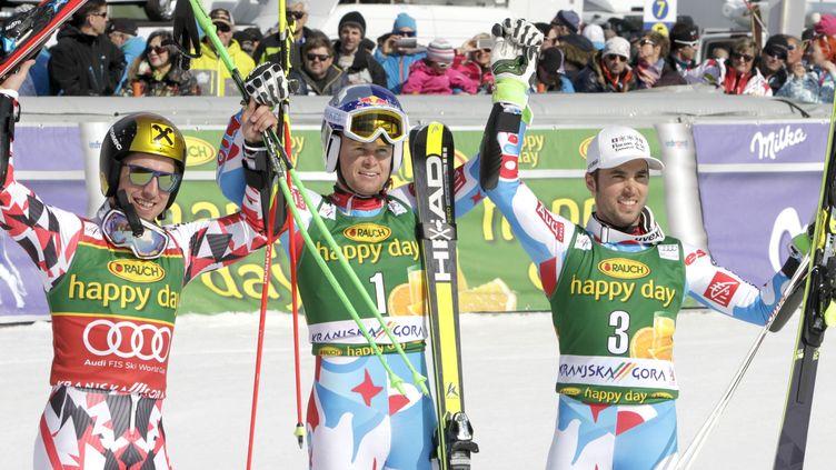 Alexis Pinturault (au centre) n'a pas tremblé pour décrocher sa première victoire en géant cette saison  (? SRDJAN ZIVULOVIC / REUTERS / X00501)