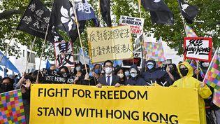 Une manifestation de soutien avec Hong Kong, le 1er septembre 2020, devant le ministère des Affaires étrangères à Berlin. (TOBIAS SCHWARZ / AFP)