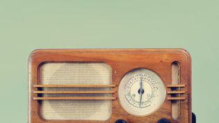 Une radio du siècle dernier. Un look vintage qui est aujourd'hui reproduit.  (GETTY IMAGES / EYEEM)