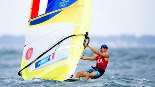 Thomas Goyard (ici le 29 juillet 2021) est vice-champion olympique de planche à voile. (KMSP / AFP)