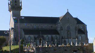 L'église de Saint-Thonan (Finistère)a été pillée durant les célébrations de la Toussaint. (FRANCE 2)