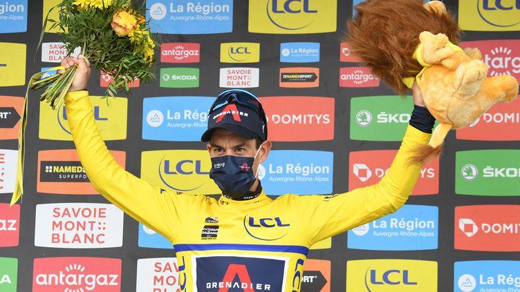 L'Australien Richie Porte, maillot jaune et nouveau leader du Critérium du Dauphiné après sa deuxième place lors de la 7e étape achevée à La Plagne, samedi 5 juin 2021. (ALAIN JOCARD / AFP)
