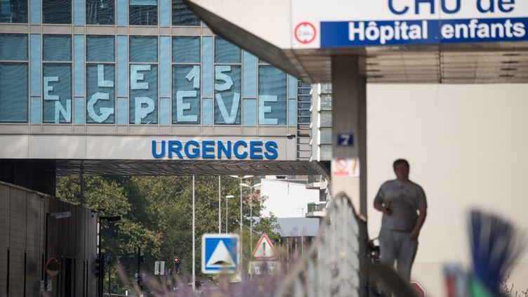 Le service des urgencesdu CHU de Nantes est en grève, le 27 août 2019. (LOIC VENANCE / AFP)