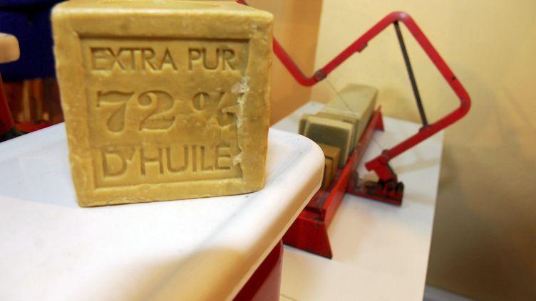 La recette artisanale du savon de Marseille ne contient ni conservateur, ni colorant, ni parfum, ni graisse animale ajoutée. Image d'illustration. (MAXPPP)