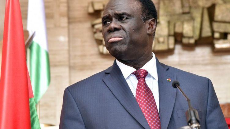 Michel Kafando, le 31 juillet 2015 lors d'une visite en Côte d'Ivoire. (ISSOUF SANOGO / AFP)