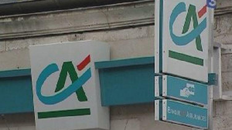 Le titre du Crédit Agricole a chuté de 3,41% à 11,05 euros à la Bourse de Paris. (France3 Aquitaine)